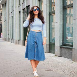 С чем носить длинную джинсовую юбку: стильные сочетания образов на фото