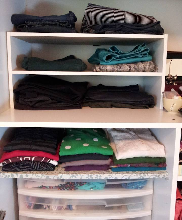 Как разложить вещи в шкафу