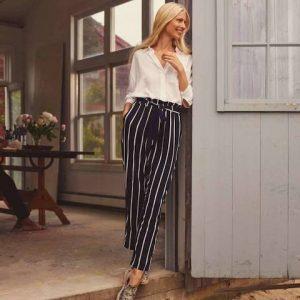 Как выбрать и носить брюки после 45: примеры, фото
