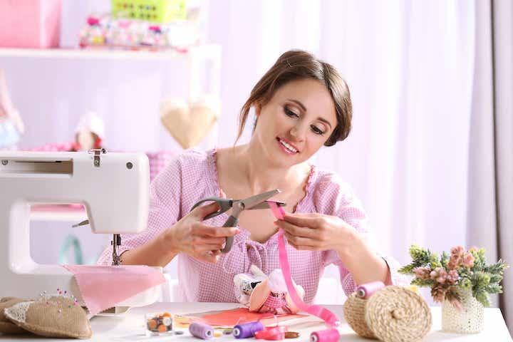 Как заработать в кризис на шитье