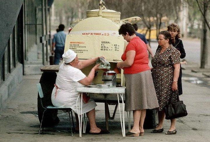 Позорить образ «советской тётки» и СССР новый тренд российских юмористов?