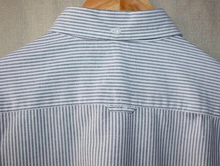 Петелька на спине рубашки