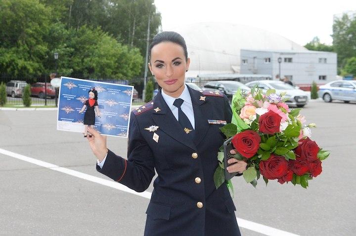 Ирина Волк и ее стиль от рядового в брюках до генерала в юбке