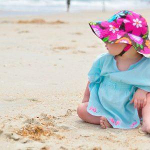 В какой одежде грудничок будет чувствовать себя комфортно на море