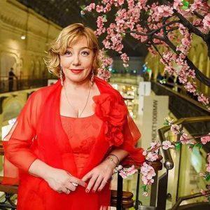 Как удается Арине Шараповой в 60 выглядеть моложе, чем в 50